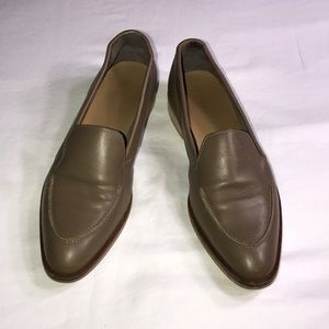 Everlane tan loafers size 6